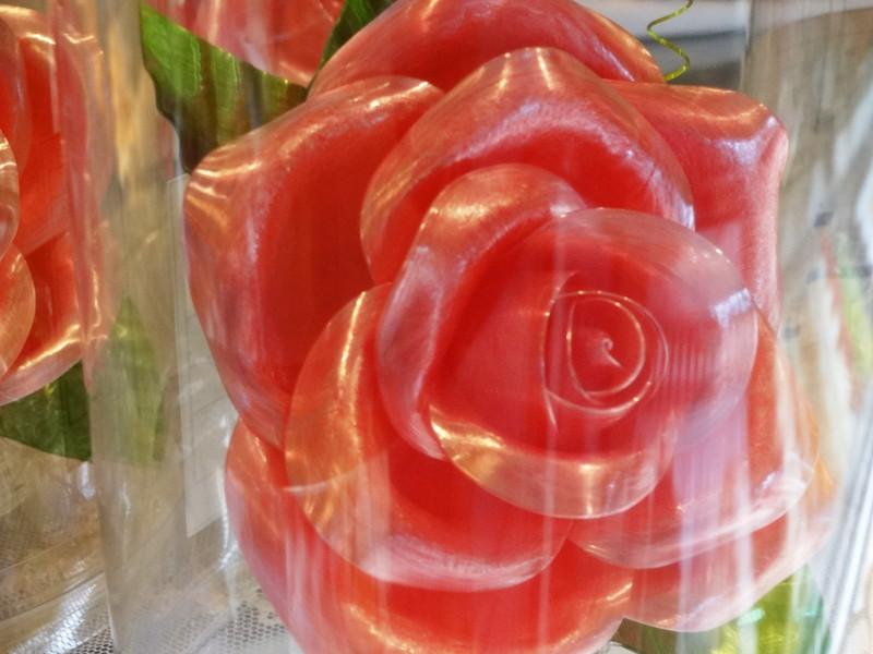 飴でできたバラの花